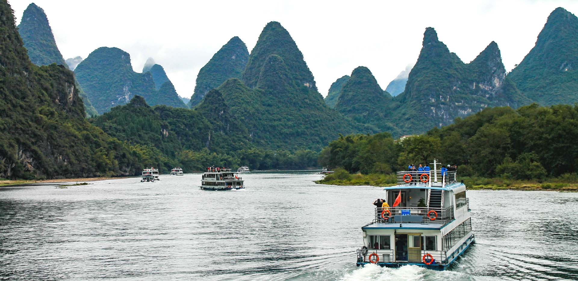 Li River Cruise through Karst Mountain Peaks
