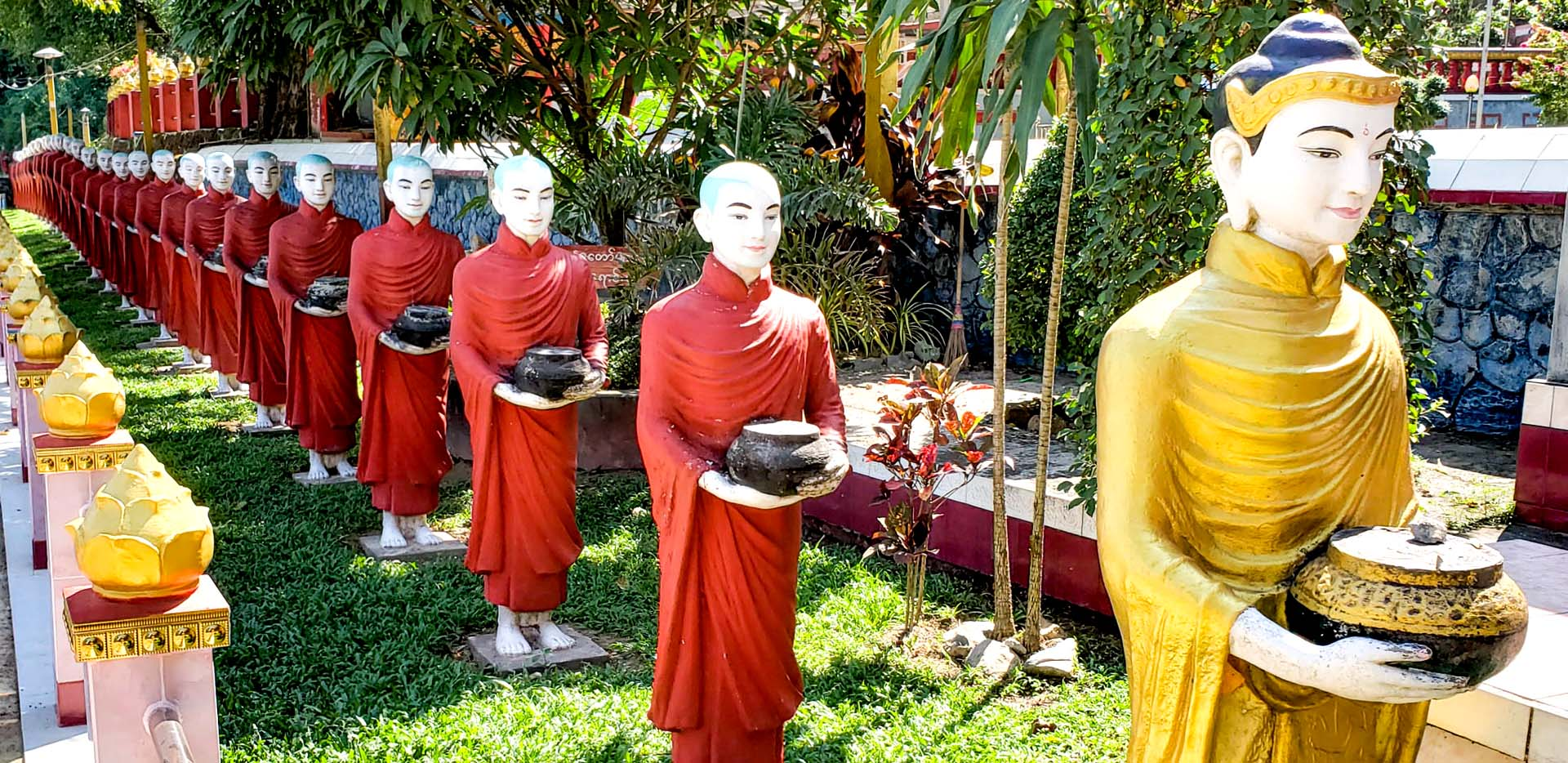 Kaw Ka Thaung Cave Line of Monks